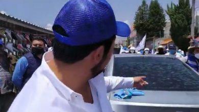 Adrián Sánchez Roa, candidato del PAN, denunció en sus redes sociales, que durante un recorrido en San Isidro, le rompieron el medallón a su unidad