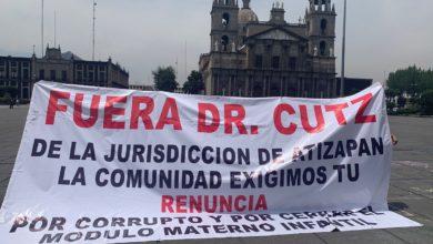 Manifestantes frente a Palacio de Gobierno en el municipio de Toluca