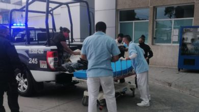 La mujer fue auxiliada por algunos transeúntes, quienes solicitaron el apoyo de servicios de emergencias