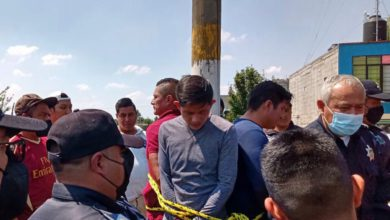 La turba agredió físicamente a cuatro oficiales municipales, quienes están fuera de peligro aunque tuvieron que recibir atención médica