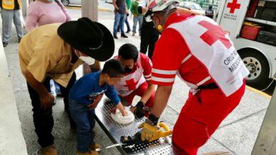 Personal de la Cruz Roja en trabajos de rescate