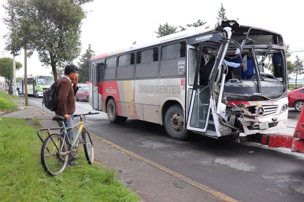 Algunos accidentes se registraron por conducir a exceso de velocidad