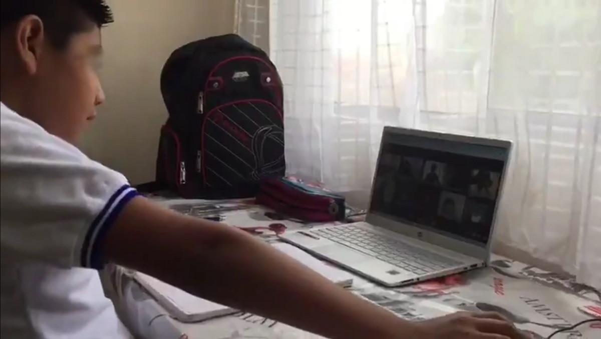 Los padres del menor prefieren que tome clases en línea