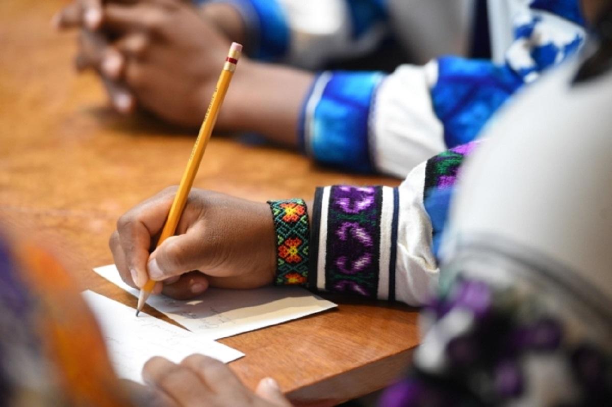Reconocerán el trabajo de literatos en lengua indígena