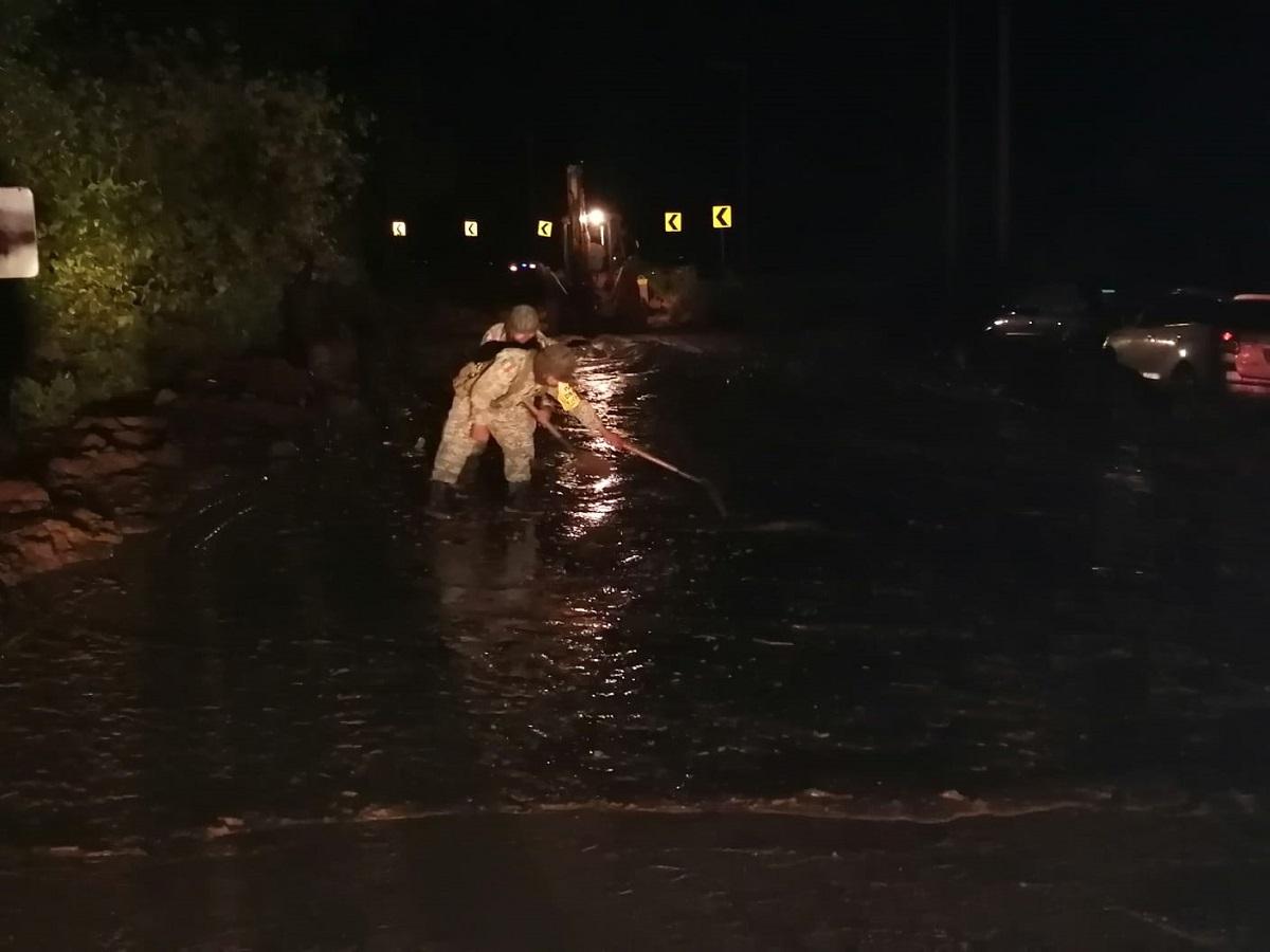 El deslave se registró durante la noche tras las intensas lluvias