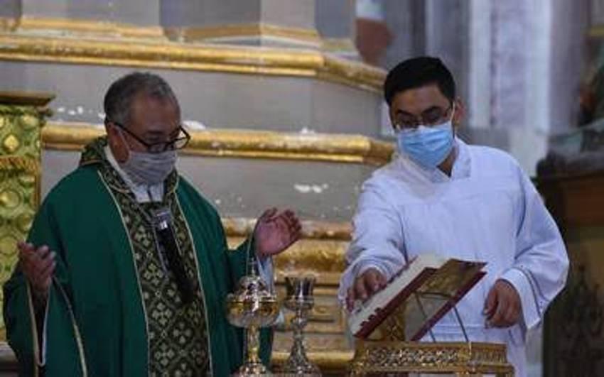 sacerdotes contagiados