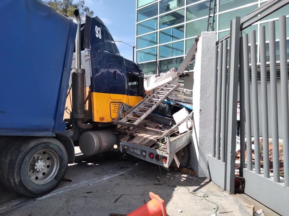tráiler y camioneta